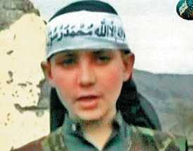 young-taliban-beheads-spy.jpg