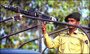 pakistani-soldier.jpg