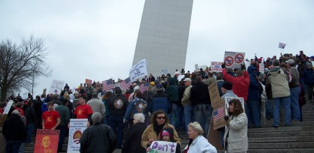 st-louis-arch-tea-party